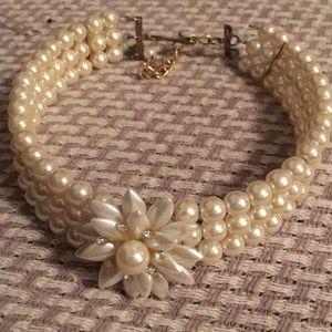 Pearl multi strand pearl choker necklace